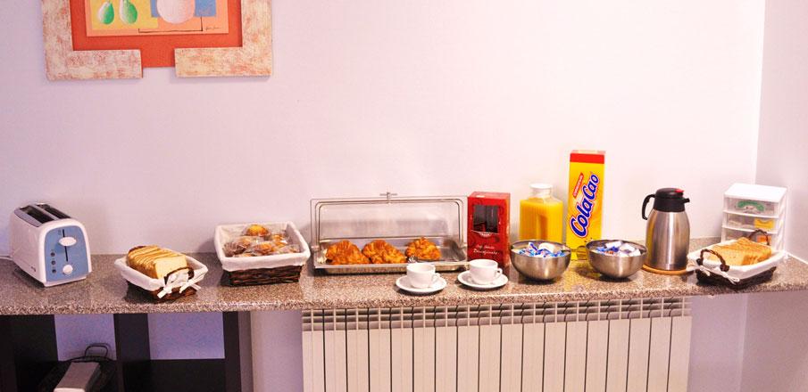 Desayuno buffet en Hotel Residencia O Parranda en Camari�as-Costa da Morte