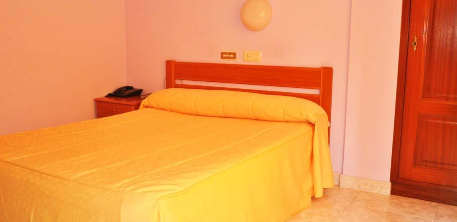 Habitación doble en Hotel Residencia O Parranda en Camariñas