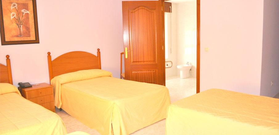 Habitaci�n en Hotel Residencia O Parranda en Camari�as-Costa da Morte